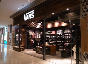 1bf071ec82 vans outlet store   Come and stroll!